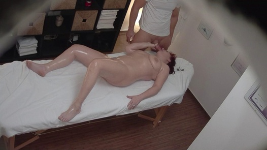 Mature busty fucks the masseuse 2 | Czech Massage 323