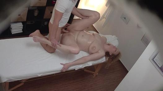 Huge MILF fucks the masseuse