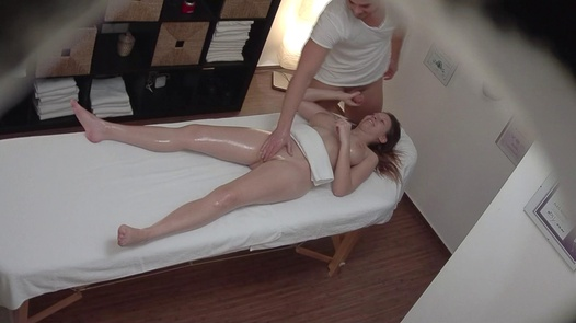 Busty brunette jerks the masseuse off | Czech Massage 331