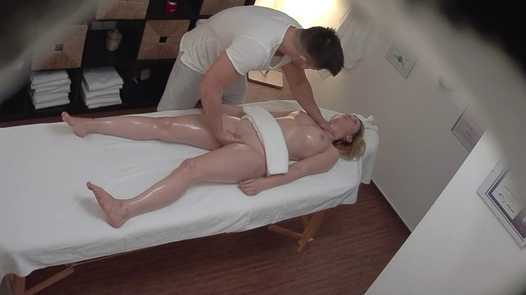 Blonde gets the massage of her dreams 3 | Czech Massage 344
