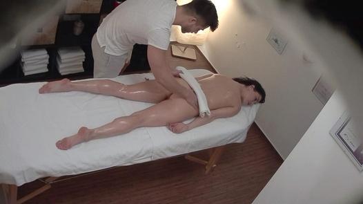 Wild brunette fucks the masseuse | Czech Massage 354