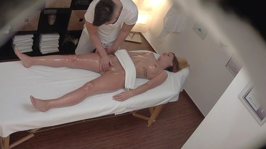 Blonde came for a massage 4