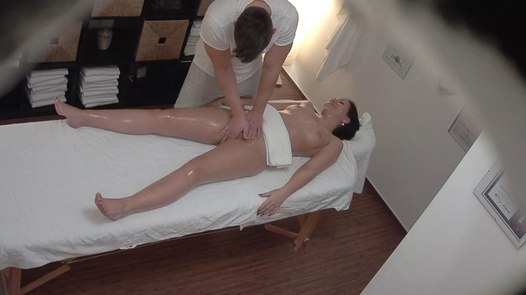 MILF came for a massage 2
