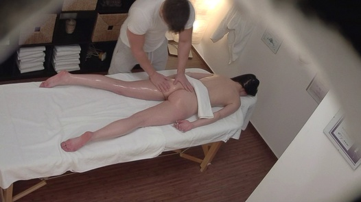 Brunette gets the massage of her dreams 10 | Czech Massage 364