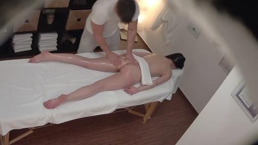 Brunette gets the massage of her dreams 10 | Czech Massage 364