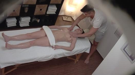 Dark haired MILF fucks the masseuse | Czech Massage 366