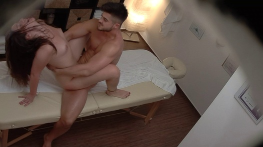 CZECH MASSAGE 372