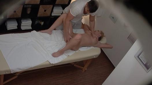 Superb MILF squirts during the massage | Czech Massage 373