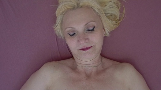 Ecstatic mature woman 2   Czech Orgasm 146
