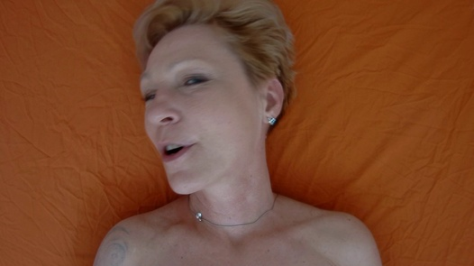 Mature woman pleases herself 3