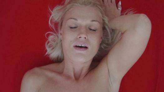 Blonde MILF 4
