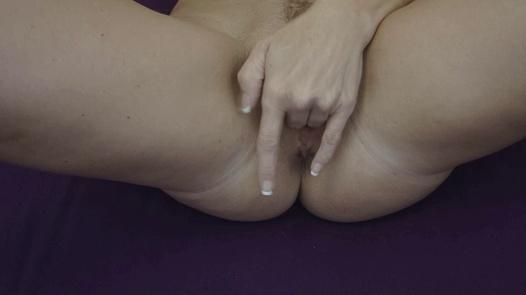 Sweet MILF rubbing her pussy | Czech Orgasm 179
