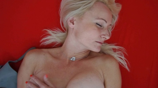 Dream MILF | Czech Orgasm 181