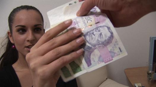 100 Brünette ficken für Geld (4)