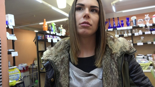 The girl with the handbag likes to swallow | Czech Pawn Shop 1