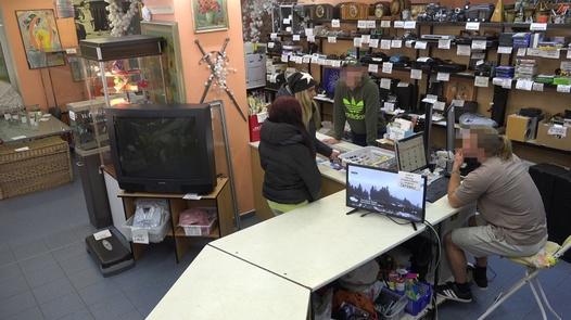 The desperate beauty | Czech Pawn Shop 5