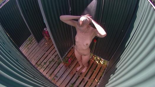 Blonde MILF | Czech Pool 20