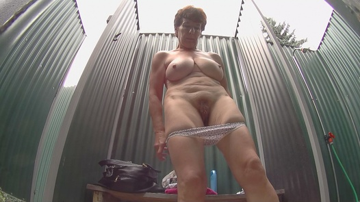 Mature lady with massive tits | Czech Pool 44