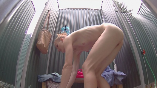 University girl washes her pussy   Czech Pool 53
