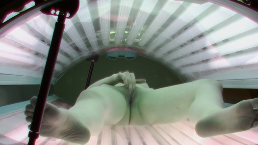 Teen playing with her pussy in solarium
