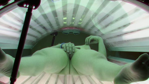Teen plays with her pussy in solarium