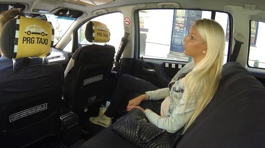 Beauty pays in flesh | Czech Taxi 15