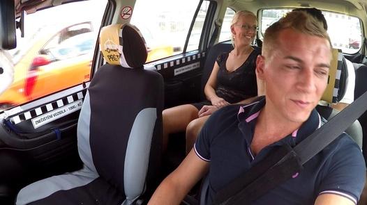Fake Agent Pärchen Flotter Dreier