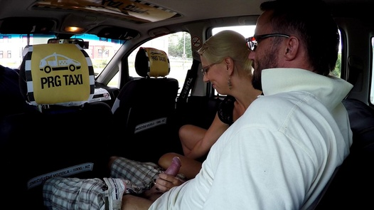 Threesome with a mature nympho   Czech Taxi 39