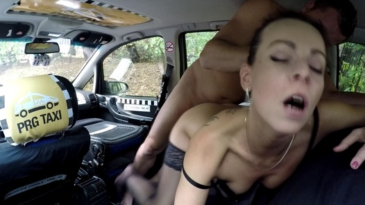 MILF squirts for the very first time