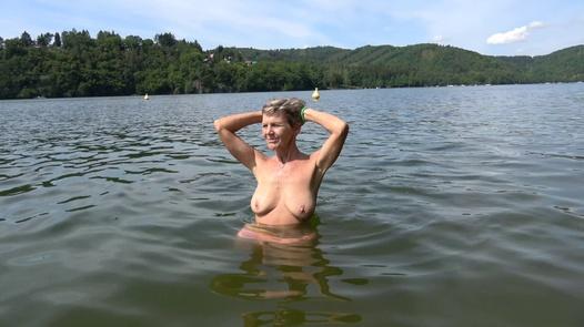Výměna partnerů 10/1 (Báby a zajíčci) | Czech Wife Swap 10 díl 1