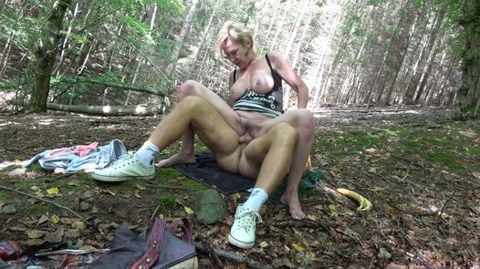 CZECH WIFE SWAP 10/2 (Forest fuck)   Czech Wife Swap 10 part 2