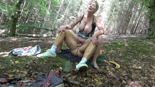 CZECH WIFE SWAP 10/2 (Forest fuck)