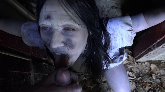 The girl from the well | Horror Porn 5