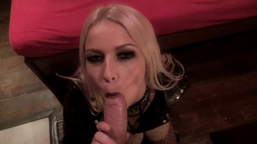 Freak house: A three-titted whore   Horror Porn 25