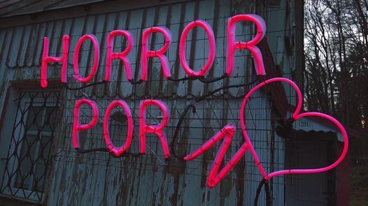 The Freak House - Pussy monster   Horror Porn 38