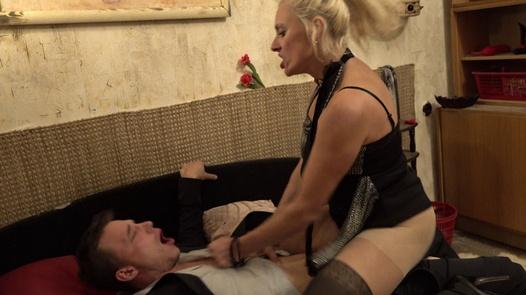 Sandra´s sexy service | Perverse Family 1 part 4