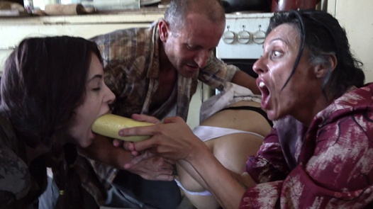 Vegetable craze | Perverse Family 1 part 7