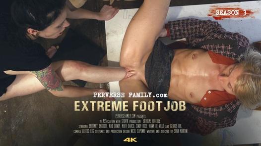 Extreme Footjob