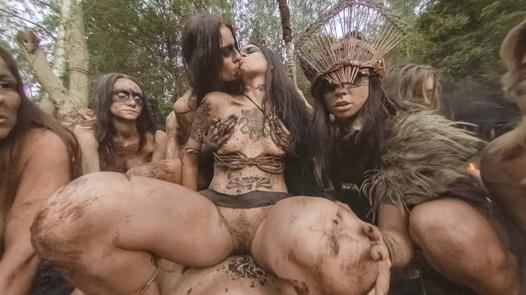 The Amazons (Virtual Reality) | X Virtual 8