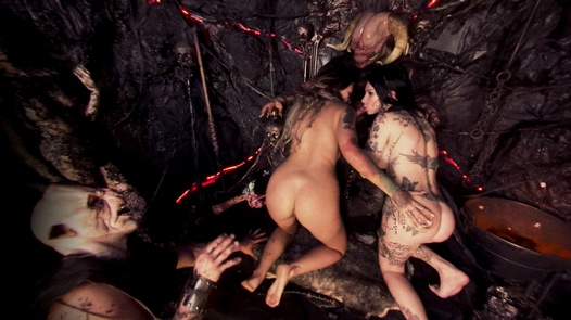 Hell Hoes in 180 ° | X Virtual 60