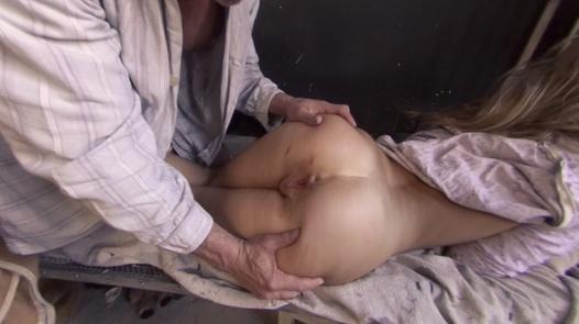 PerverseFamily.com - Loosing virginity in 180° | X Virtual 72
