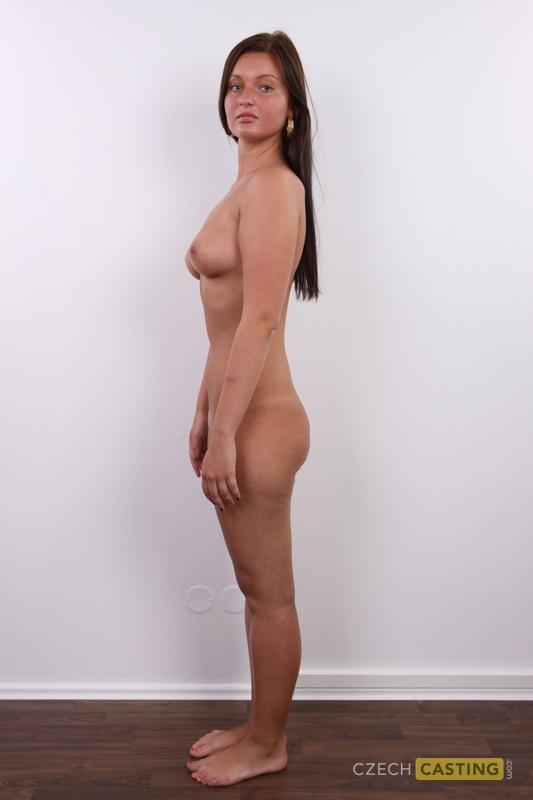 Angezoge und frauen nackt Angezogen Nackt