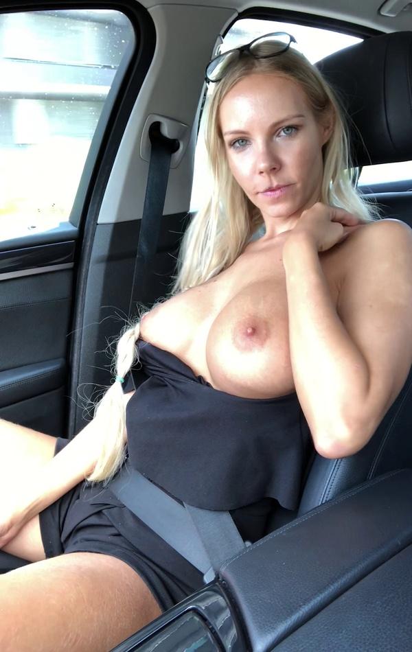 Big tits heading to Prague