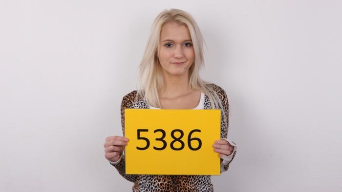 Monika (21)