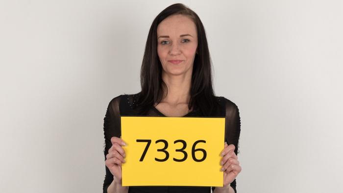 Michaela (28)