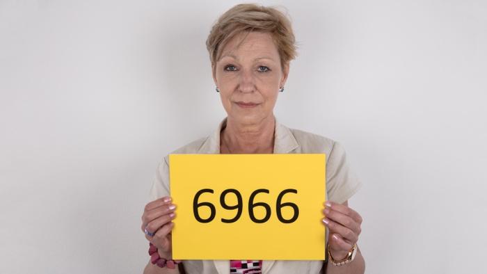 Milena (53)