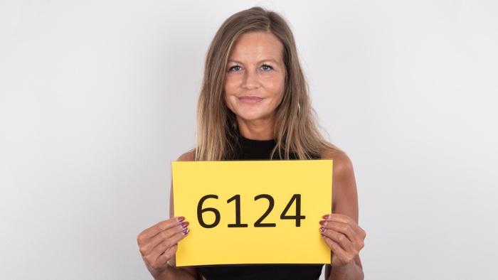 Karolina (43)