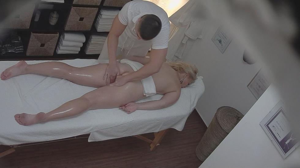 Fucking naked sexy woman