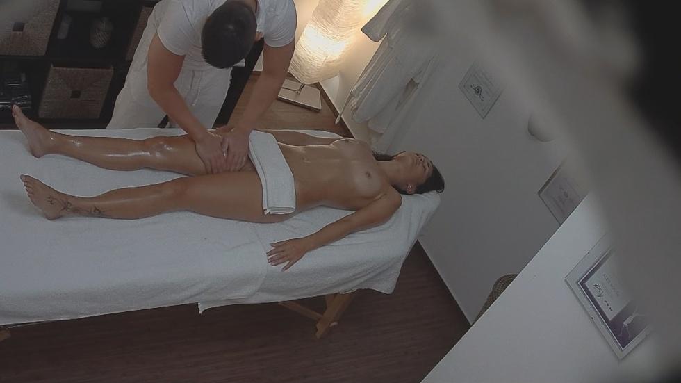 Смотреть чешский эро массаж