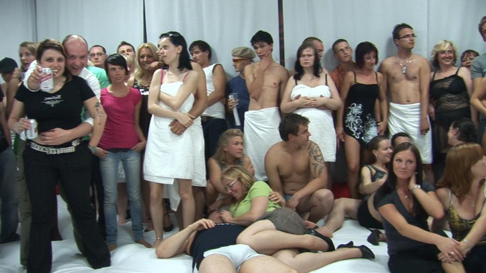 Мега вечеринки чешских свингеров, снегурочку во всех позах